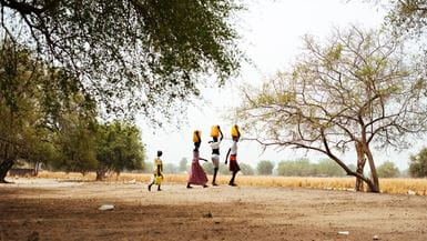 /-/media/learn/resources/reports/images/2017-tearfund-tearnetherlands-saving-for-a-very-dry-day-banner-image.jpg