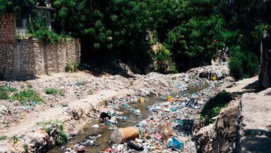 /-/media/learn/resources/reports/images/2019-tearfund-consortium-tackling-plastic-waste-and-pollution-banner-image.jpg